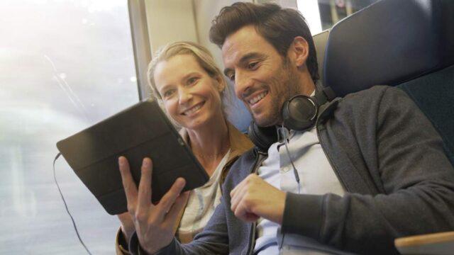 """У потягах """"Інтерсіті+"""" можна дивитися ліцензійне кіно за 1 гривню"""