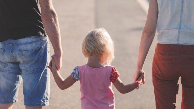 У Вінниці до Дня усиновлення передали грошову допомогу шістьом родинам, які усиновили дітей