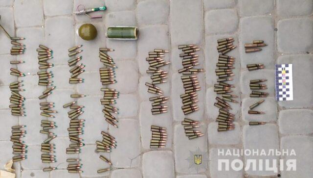 Граната, протипіхотна міна та набої: у мешканця Вінниччини поліція вилучила вибухові пристрої. ФОТО, ВІДЕО