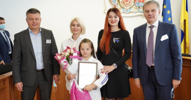 У Вінниці відзначили танцівницю, яка здобула бронзову нагороду Спеціальної Олімпіади