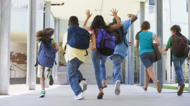 Міністерство охорони здоров'я ініціює дострокові осінні канікули в школах